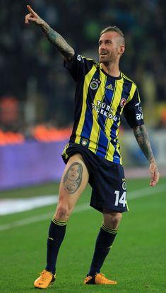 Raul Meireles - Fenerbahçe SK. Great player wish he was still with Chelsea.