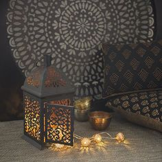 On the menu tonight : lanterns and fairy lights #ShopNow -- Click link in profil -- #Rustycoppernavajo #Adhira #Astana #Palmier #Holi #lantern #walldecor #blanket #pillow #fairylight #modernnomade #newcollection #goodnight #oriental #chic #ethnic #light #home #zen #homedecor #mymdm #maisonsdumonde
