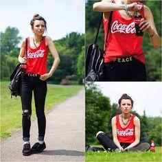 Coca-Cola peace Girl