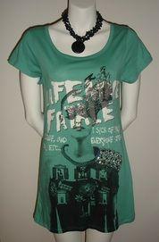 This just in... Silvian Heach T-Shirt Dress.  Very cute!!   $85.00 CDN Trendy Dresses, Shirt Dress, T Shirt, Tank Tops, Store, Cute, Women, Fashion, Supreme T Shirt