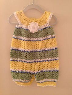 How To Crochet Newborn Baby Romper In Video Crochet Romper, Baby Girl Crochet, Crochet Baby Clothes, Crochet For Boys, Crochet Shoes, Free Crochet, Knit Crochet, Baby Sweaters, Baby Patterns