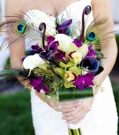 Bouquet sposa con piume di pavone