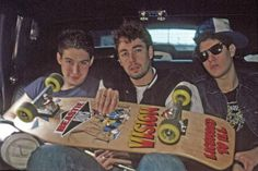 The Beastie Boys receiving their first skateboard used to promote Licensed to Ill, 1987 Old School Skateboards, Vintage Skateboards, Music Pics, Music Tv, Hip Hop Bands, Old School Fashion, Skate Art, Neo Soul, Band Pictures