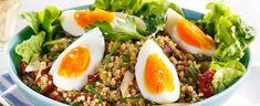 DAGENS RETT: Bulgursalat med egg - Aperitif.no Couscous, Scones, Cobb Salad, Salsa, Eggs, Ethnic Recipes, Food, Nye, Salsa Music
