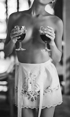 За вљубениците на виното : подарете декантер за празниците кои следат