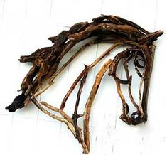 using driftwood/twigs for sculpture