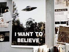 this is definitely from X Files omg xfiles