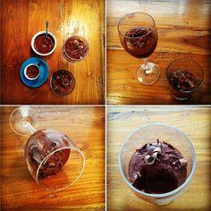 mousse de chocolate - apenas com água de chocolate. receita do noz-moscada.