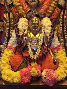 Raghvendra Swami Radhe Krishna Wallpapers, Lord Vishnu Wallpapers, Indian Goddess, Goddess Lakshmi, Hanuman Pics, Farmers Day, South Indian Actress Hot, Shree Krishna, Hindu Deities