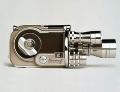 William Fisk`s Photorealistic Paintings Make Vintage Gadgets Cool Again