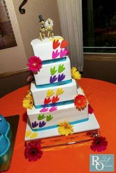 Dinosaur cake... Rawr