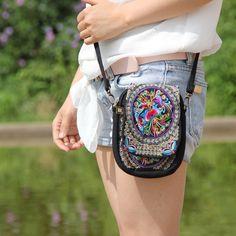 自由奔放に生きるエスニック刺繍バッグヴィンテージ刺繍キャンバスカバーショルダーメッセンジャーバッグモン族の手作り多色小さなコイン袋