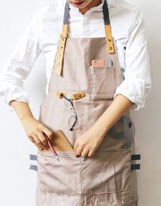 Full Length Gray/Khaki Cotton Linen Bib Apron with Convenient Pockets. Suitable for Uniforms of Barber,Hairdresser,Barista,Bartender,Stylist,Waiter/Waitress,Florist,Painter,Gardener, Baker,Chef,or Work ware of Cafe, Bistro, Restaurant,Bakery,Tattoo shop,Craft workshop etc.