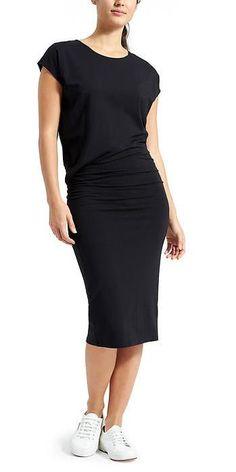 Athleta Horizons Midi Dress: Strategic ruching around the middle flatters any figure.