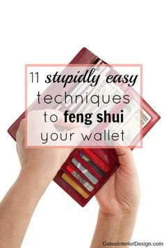 stupidly easy techniques to feng shui your wallet Is money going out faster than it's coming in? If you feel pretty beat-up trying to chase all this money down, these 11 techniques will turn that all around. Feng Shui Rules, Feng Shui Art, Feng Shui House, Feng Shui Tips, Feng Shui Energy, Feng Shui Your Wallet, Feng Shui Wallet Colour, Consejos Feng Shui, Feng Shui Bedroom Tips