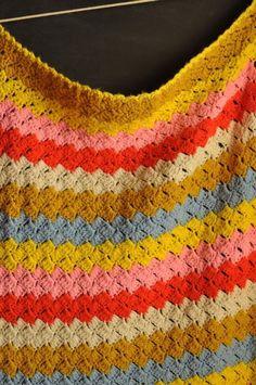 Crochet « Dandelion and Olive slanted shell in stripes