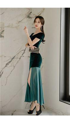 Sexy Asian Girls, Beautiful Asian Girls, Ulzzang Fashion, Korean Fashion, Fashion Dresses, Girl Fashion, Good Looking Women, Asian Beauty, Korean Beauty