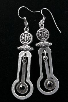 Old World Fashion Ottoman Style Onyx Antique Finish Swingy Dangle Earrings
