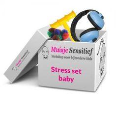 Stress Set Baby. Deze stress set is speciaal voor babies vanaf 3 maanden en bestaat uit een oorkap, tangle hairy en een ChewyTube.