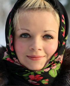 People of Russia – how Slavs look like We Are The World, People Around The World, Wonders Of The World, Beautiful People, Beautiful Women, Village Girl, Russian Beauty, Interesting Faces, World Cultures