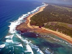 African Beaches At Best. Book Your Trip To These Exciting Beaches! The Beautiful Country, Beautiful World, Beautiful Places, South Afrika, African Love, Living In Europe, Kwazulu Natal, Holiday Places, Sand And Water