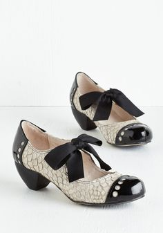 Bow'n Places Heel in Dove Grey. These spiced-up Mary Janes are a grey pair youll want to wear everywhere.  #modcloth