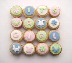 cupcakes | Cupcakes o minicupcakes de vainilla decorados con motivos de bebé ...
