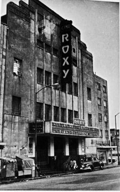 Cine Roxy  este cine se ubicaba a diagonal de la esquina del queso, donde se ubica en la actualidad las residencias los ceibos en el Valle