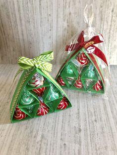 Hershey kisses christmas trees in cellophane bags Christmas Kiss, Dollar Tree Christmas, Christmas Tree Crafts, Christmas Gifts For Kids, Christmas Ideas, Christmas Decor, Christmas Candy, Holiday Ideas, Xmas