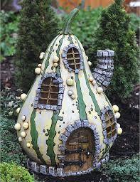 Fairy Garden Miniatures Resin Fairy Village - Striped Gourd Fairy Home Diy Pet, Polymer Clay Fairy, Fairy Village, Gnome Village, Fairy Garden Houses, Hobbit Garden, Fairy Gardening, Veg Garden, Vegetable Gardening