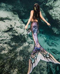 * lswim tail flickering in the cool sea waves. Age - * I swim tail flickering in the cool sea waves. Fantasy Mermaids, Real Mermaids, Mermaids And Mermen, Mermaid Cove, Mermaid Art, Tattoo Mermaid, Vintage Mermaid, Realistic Mermaid Tails, Real Mermaid Tails
