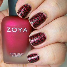 Painted Nubbs: Zoya Posh and MoYou London Pro04