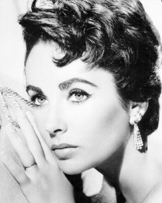 Vintage Photos Of Elizabeth Taylor | old fashioned • Elizabeth Taylor