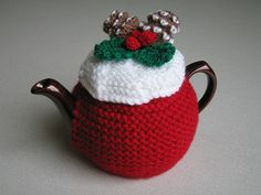Ravelry: Three Tea-cosies pattern by Jean Greenhowe Tea Cosy Knitting Pattern, Tea Cosy Pattern, Knitting Patterns, Knitting Ideas, Crochet Patterns, Christmas Fair Ideas, Christmas Tea, Christmas Crafts, Christmas Pudding