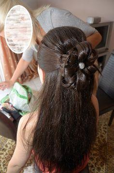 Wedding hair Yellow Wedding, Wedding Hairstyles, Long Hair Styles, Earrings, Beauty, Fashion, Ear Rings, Moda, Stud Earrings