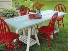 Turn an old door frame into a picnic table. If you have access to an old door no one needs, take a look at this idea. Complete your garden with a DIY picnic table. Dining Furniture, Painted Furniture, Diy Furniture, Painted Chairs, Outdoor Furniture, Wooden Chairs, Metal Chairs, Metal Furniture, Upcycled Furniture