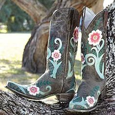 Love these!  ASHLEE FLORAL BOOTS