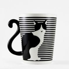 Taza Gato Rayas Frente. Taza de cerámica con asa en forma de cola de gato.