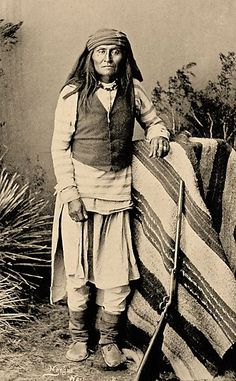 "In his biography of Chief Mangas Coloradas, Edwin Sweeney reported that the chief, the only Chiricahua leader to sign the 1852 treaty at Acoma, signed with the Americans so he could concentrate on the tribe's Mexican enemies, who were encroaching on the New Mexico portion of Apacheria. He wrote, ""...throughout his life Mangas never agreed to any treaty that forfeited his rights to his country."" One of the chief's sons, Sethmooda, was killed  Carl Mangus (left), died at Fort Sill in 1901.:"