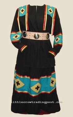 Cherokee Tear Dress from Little Crow Trading Post. http://www.littlecrowtradingpost.com/pageeastern.htm