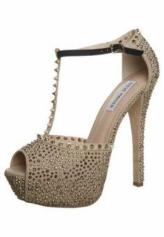 Steve Madden ANGELZ http://pixiie.net/shop/steve-madden-angelz-peeptoe-heels-gold/