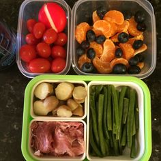 #Teuko lunchbox: cherry tomatoes, prosciutto, tiny boiled potatoes, steamed green beans, round cheese, mandarines and few blueberries (leftovers from the day before), water. By Jessica, www.teuko.com