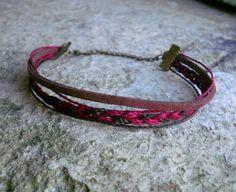 Bracelet multirang suedine ethnique marron et bordeaux : Bracelet par stonanka