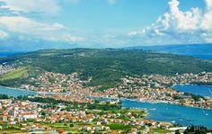 Trogir, Croatia (photo by: Dennis Jarvis - Flickr)