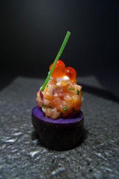 Purple Peruvian Potato, smoked salmon tartare, salmon caviar, crème fraîche, chive, #FoodPorn