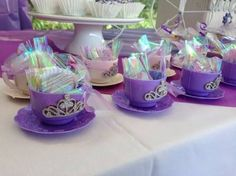 Resultado de imagen para centros de mesa para fiesta de princesa sofia