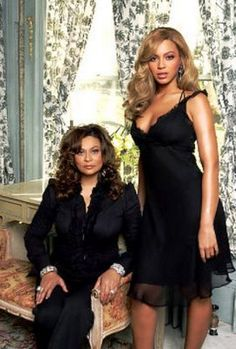 Beyonce and her mother, Mrs. Tina Knowles, Beyonce Knowles Carter, Beyonce And Jay Z, Estilo Beyonce, Beyonce Style, Beautiful Black Women, Beautiful People, Lab, Foto Fashion