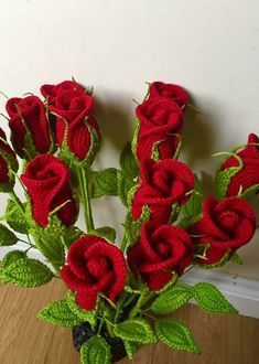 Small Stem Rose Crochet pattern by Natagor Finlayson - Blumen Crochet Bouquet, Crochet Puff Flower, Crochet Flower Patterns, Love Crochet, Easy Crochet, Crochet Flowers, Crochet Hooks, Pretty Roses, Crochet Projects