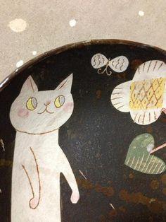 makoto Kagoshima (makoto_kgsm67) on Twitter Kagoshima, Knick Knack, Cat Accessories, Ceramic Decor, Air Dry Clay, Pottery Painting, Japanese Artists, Rug Hooking, Cat Art