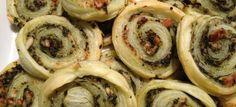 Blätterteig-Pesto-Schnecken mit Parmesan und Pinienkernen